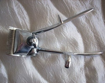 Barber Hair Clipper , Vintage Barber Tool, Barber Shop Hair and Beard Clippers, Hairdressing Tool
