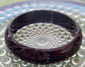 Carved Bakelite Bangle, bracelet