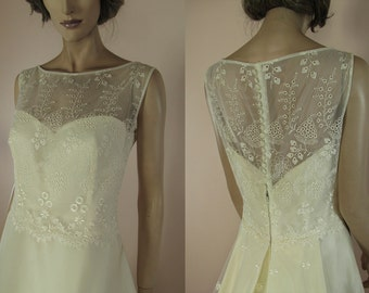 90's Vintage Wedding Dress - Very nice elegant ivory wedding dress from the 1990s-Lace bridal gown – A line organza skirt