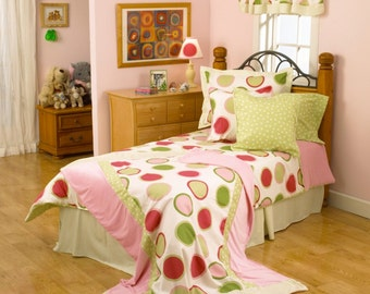 Pink and Green Dot Twin Bedding Set. MADE IN USA