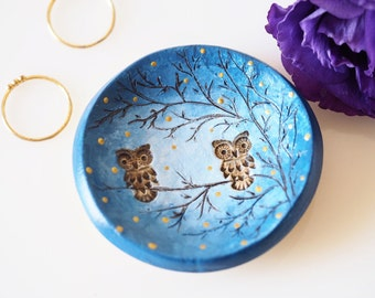 Owl jewelry dish - Clay owl ornament - Clay ring holder - Handmade owl decor - Gift for her - Valentines gift - Rustic owl home decoration