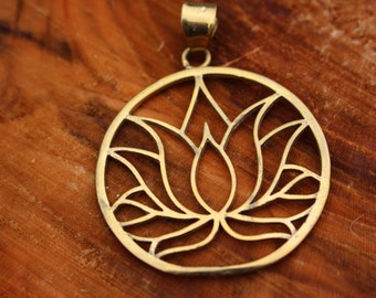 Lotus fower necklace