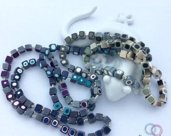 Artist necklace traps Babu