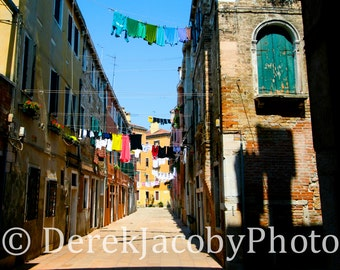 Laundry Drying: Venice, Italy