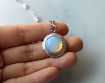 vintage style opal locket necklace,photo necklace,silver necklace