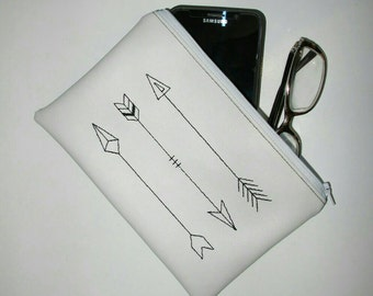 Embroidered Vinyl Zipper Pouch Clutch / Make up purse / Pencil Case