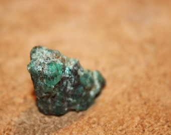 Raw emerald from Madagascar - 20% off code RECYCLED