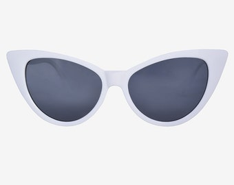White Vintage Cat Eye 90s Deadstock Sunglasses