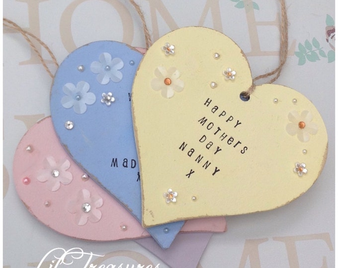 Personalised hanging heart | Christmas gift | New baby gifts | Mothers day. Comes in any colour | Teachers gifts | Any wording/Quote.