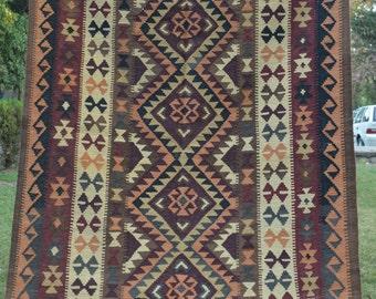 Vinaeg Geometric Pattern Turkish Kilim