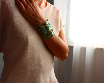 Green cuff | Cuff | manchette | bracelet | gold plated | green color | made in Italy | hand made