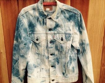 VINTAGE LEVIS DESTROYED Demin Jacket