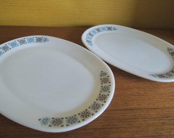 Pair of Jaj Pyrex Chelsea Pattern Sandwich Plate / 60s Vintage / Rectangular Plate/ Snowflake