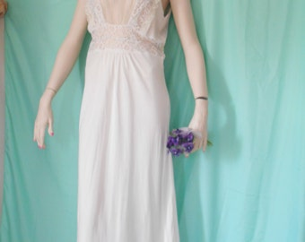 Pretty 1940's White Nightgown/Lingerie cut in Bias