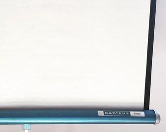 Projector Tripod Screen - Travel Projector Screen