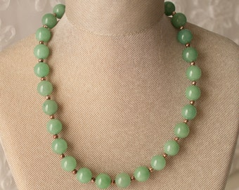 Green Jade Bead Necklace with Magnetic Clasp