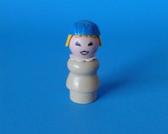 """Fisher Price Little People """" Tan Body Airport Stewardess """" 1970's"""