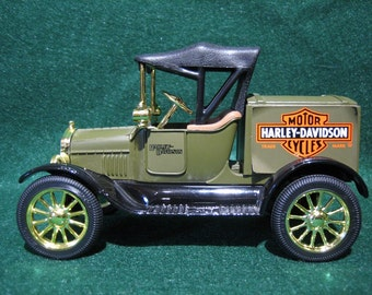 HARLEY-DAVIDSON BANK - 1918 Ford Runabout Collectible,  (1988)