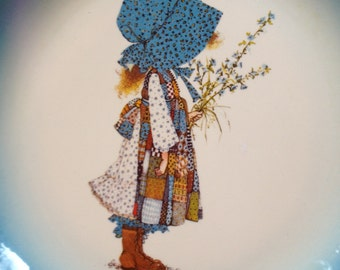 BONUS! Holly Hobbie Collectible Plate 1972 w/Extra Gift!!