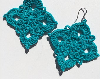 Crochet diamond shaped earrings