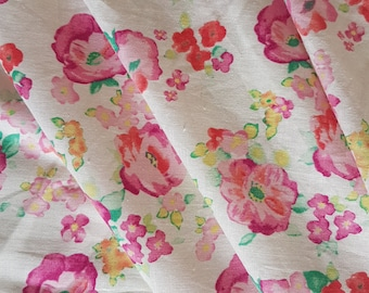 100% Linen Pink & White Floral Fabric, 117cm Wide, Perfect for Summer Clothing, Kids Clothing, Dress, Skirt, Shorts and quilting.