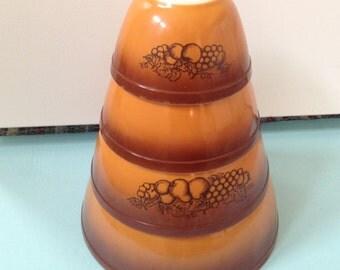 Vintage mid-1970s Pyrex Old Orchard pattern set of 4 nesting bowls. #596