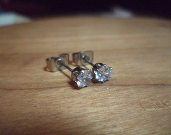 4MM 316L Surgical Steel CZ Stud Earrings