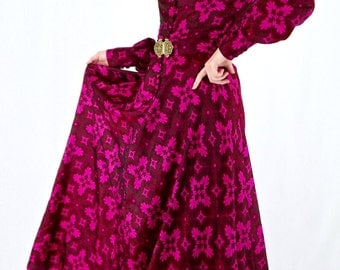 Beautiful Vintage 70's Deadstock Printed Thai Silk Maxi Dress
