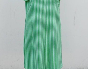 1960s Green and white day dress with sleeves
