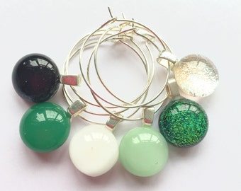 Glass charms, green tableware, green wine charms, green partyware, wine glass charms, drink markers, drink identification, drink tags, wine