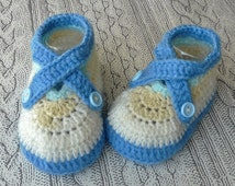 Baby boy crochet shoes, Infant knit sneakers, Crocheted booties 6-9 months BLUE and CREAM