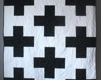 Toddler Quilt- Plus Baby Quilt- Black and White Baby Bedding-Black White Gold Nursery Bedding- Black White Baby Quilt-Modern Baby Quilt
