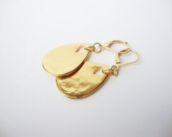 Earrings Leverback drop hammered Golden