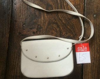 SALE WAS 12 Vintage White Leather Shoulder Bag. 60s Mod Satchel Style Handbag