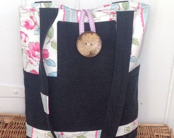 Flowers and denim tote bag, recycled denim, jeans bag, shoulder bag, handmade tote bag, market bag, shopper, summer bag, holiday bag