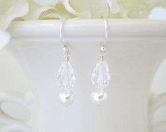 Simple crystal and pearl drop earring, Swarovski bridal earring, Pearl and crystal wedding earring, Bridesmaid earring