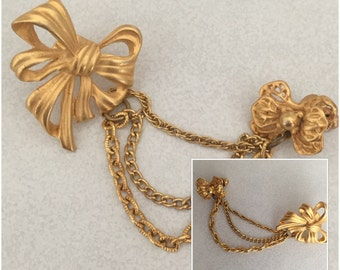 Vintage Goldtonr Brooch/Pins with 2 Bows connected with Chains