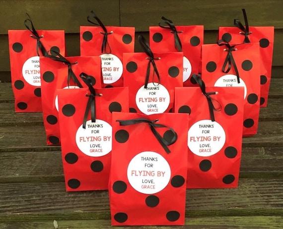 Personalized ladybug birthday party favor bags ladybug treat for Bag decoration ideas