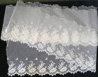 Vintage Creamy Edwardian lace,circa 1900-1910, 2yds (1.90mts) in length. Downton Abbey era
