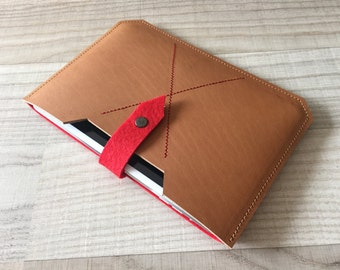 Paris – custom made tablet cover – iPad Cover felt & leather