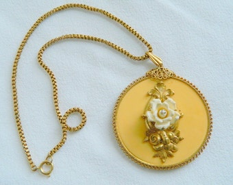 Miriam Haskell ivory rose necklace