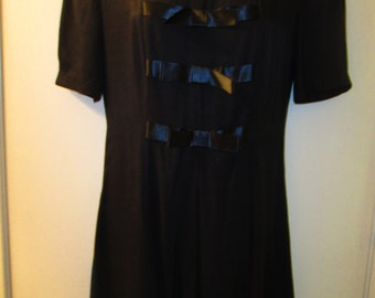 Benson&Smith vintage little black dress or tunic with satin bow front. Size 5/6. Perfect for the holidays.