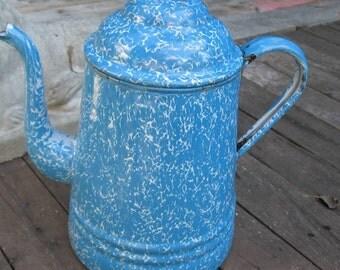 Teapot vintage enamelled white and blue 1930