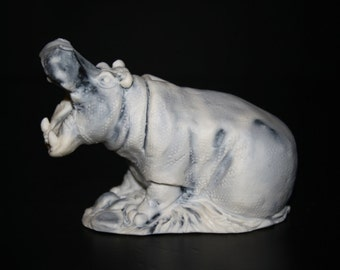 Figurine hippopotamus of the marble chips, statuette