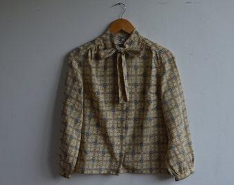 Vintage Bow Tie Print Blouse