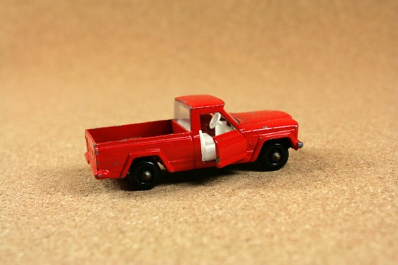 Matchbox No 71 71b2 Jeep Gladiator 1960s Red