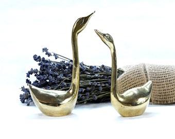 Swan Figurine - Vintage Swan Figurines - Brass Swan - Bird ring holder - Collectible Swan - Gold Swan - Swan decor - Swan Ring Holder