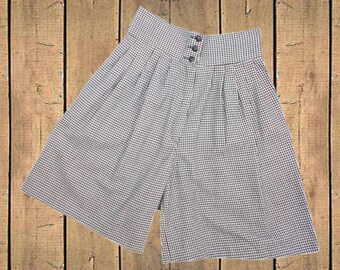 Vintage Kips Bay High Waisted Skort Shorts ILGWU Union Made in USA 80s/90s Black and White Dogtooth Check UK 10 Measure as Waist 27.5