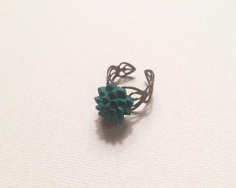Adjustable forest green floral ring