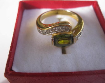 Gold Tone  Peridot Stone Ring